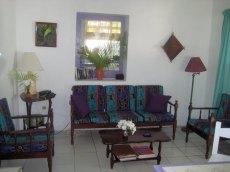 cinnamon-livingroom